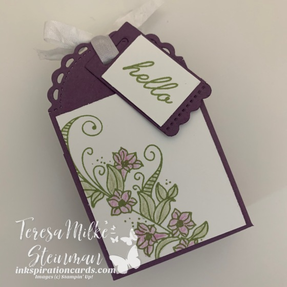 Treat Box with flowers wm